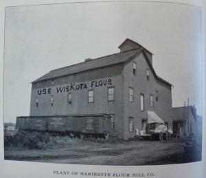 1898_066