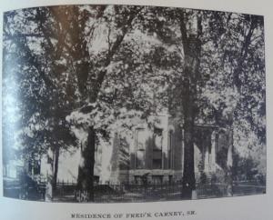 1898_077