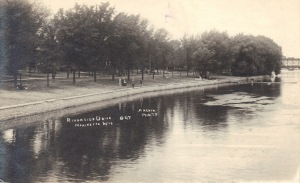 Riverside Postcard 1915